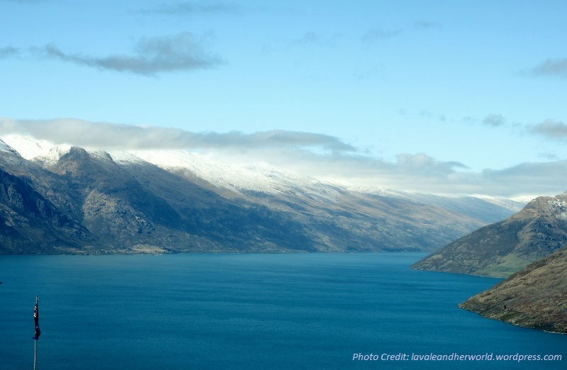 View Lake Wakatipu from above