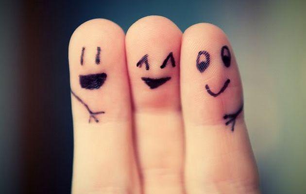 Making new friends - fingers crossed ;) (Photo Credit: www.kunocreative.com)