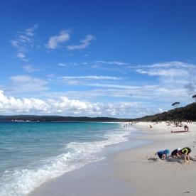Hyams Beach (Photo Credit: lavaleandherworld.wordpress.com)