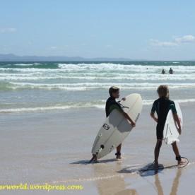 Kids surfing at Byron Bay (Photo credit: lavaleandherworld.wordpress.com)