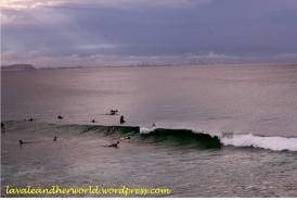 surfers and Surfers Paradise at the Horizon (Photo Credit: lavaleandherworld.wordpress.com)