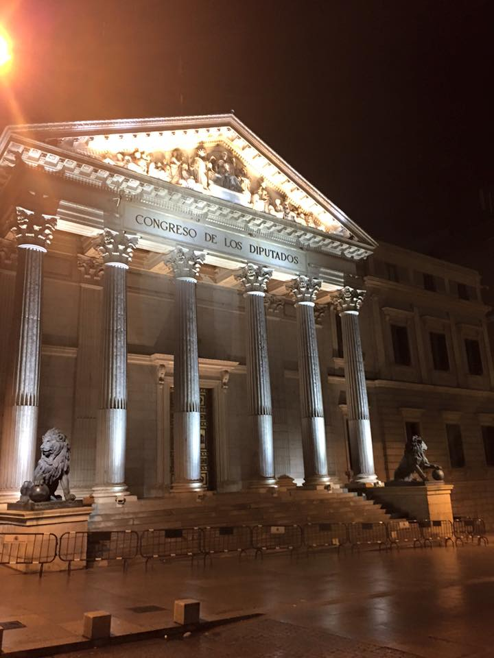 Congreso de los Diputados Madrid (Photo credit: http://www.lavaleandherworld.wordpress.com)