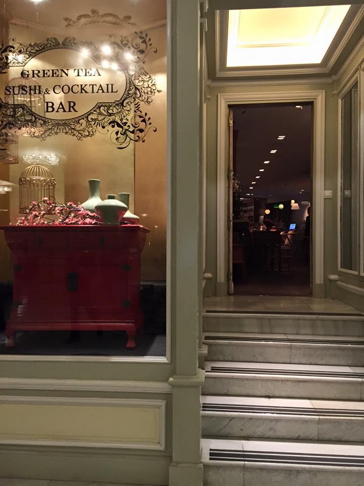 Green tea, sushi & Cocktail (Photo credit: http://www.lavaleandherworld.wordpress.com)