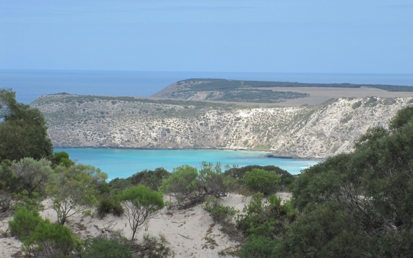 View of the beach not too far from Pennshaw, Kangaroo island (Photo credit: http://www.lavaleandherworld.wordpress.com)