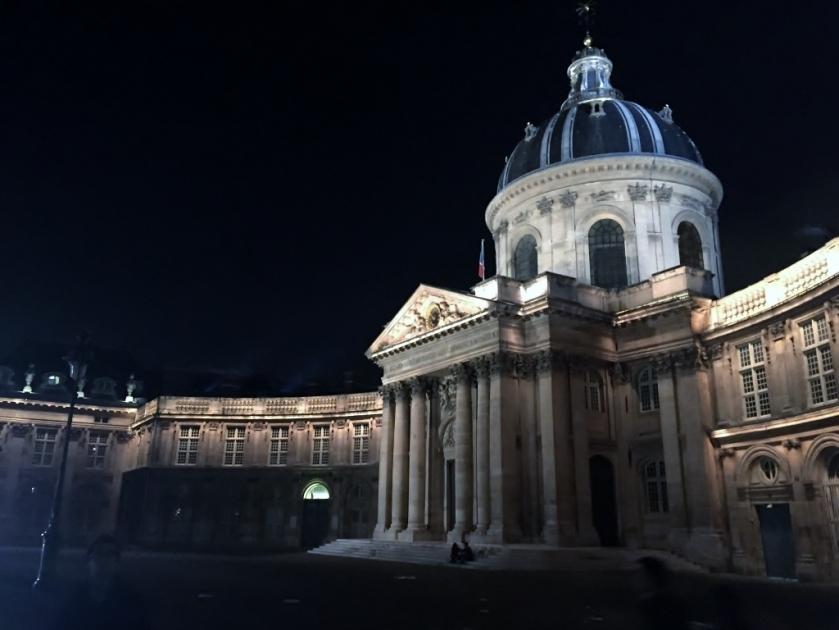 Institute de France, Paris (Photo credit: http://www.lavaleandherworld.wordpress.com)