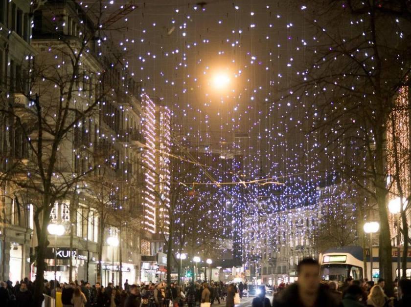 Lichterfest Zurich Bahnhofstrasse (Photo credit: http://www.lavaleandherworld.wordpress.com)